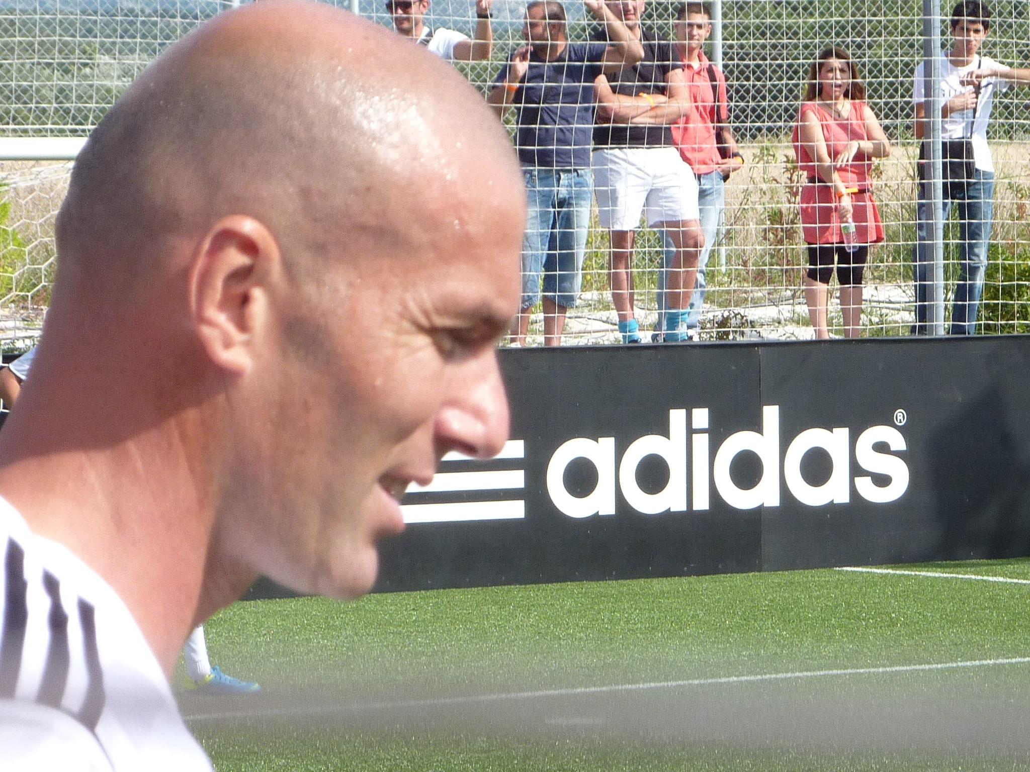 """Men´s Health: """"El Real Madrid acierta recuperando a Zinedine Zidane. ¡Te contamos por qué!"""""""